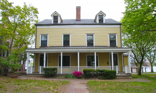 GOVERNOR'S ISLAND house